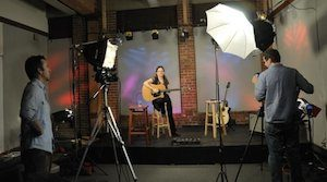Lisa on Guitar Tricks